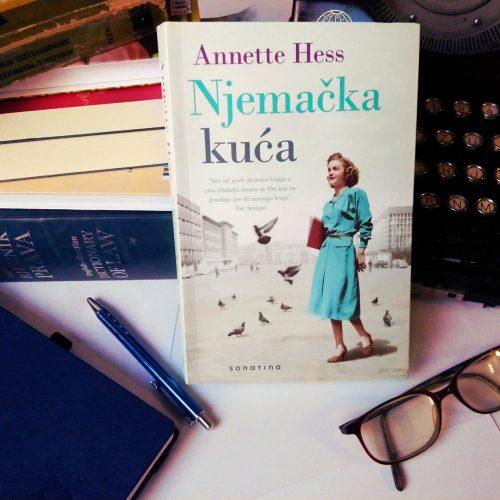 """Recenzija: """"Njemačka kuća"""", Annette Hess"""
