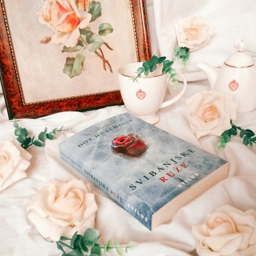 "Recenzija: ""Svibanjske ruže"", Dot Hutchison"