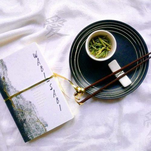"""Recenzija: """"Wabi – sabi: Japanska mudrost prihvaćanja nestalne i nesavršene prirode svega"""", Beth Kempton"""
